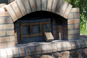 Oogie and Ken took me to visit a friend who bakes amazing breads and pizzas in this outdoor woodfire oven.